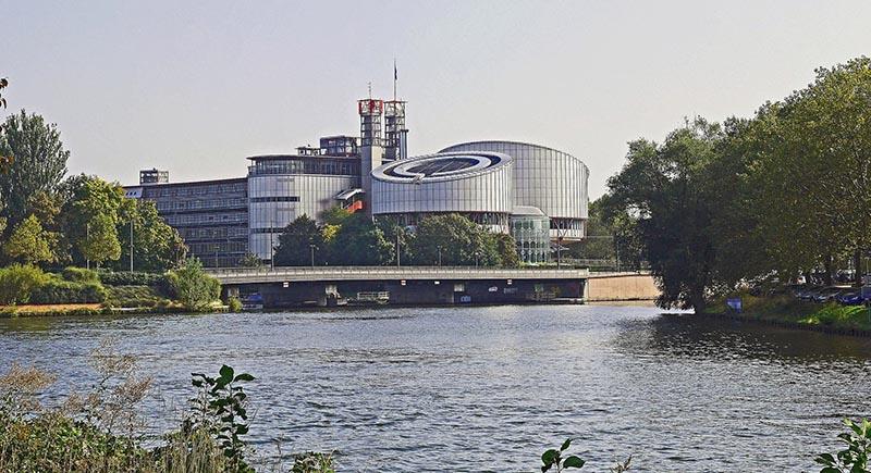 El Tribunal Europeo de Derechos Humanos niega la libertad religiosa de dos enfermeras suecas.